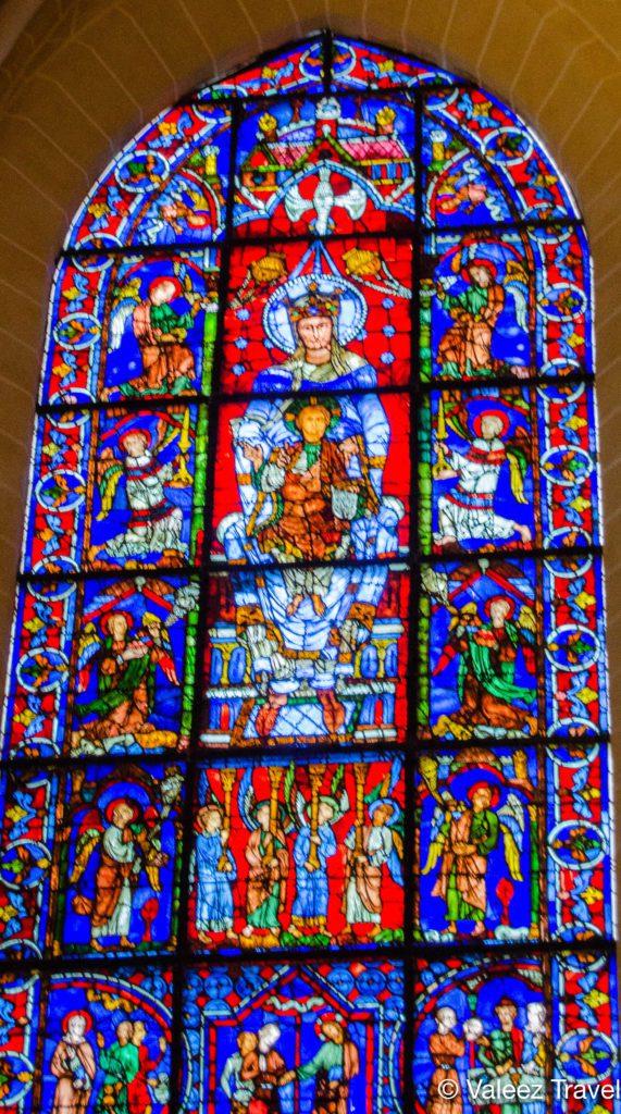 Cathédrale Notre-Dame de Chartres - Vitrail Notre Dame de la Belle verrière